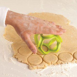 Rolldo Rolling Dough Cutter & Divider - 70th Birthday Gift Ideas
