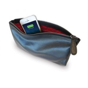 Smart Clutch - The Purse That Charges Your Phone - Gifts For Sister