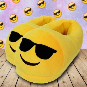 Kool Dude Emoji Face Slippers - Gifts For Teenagers